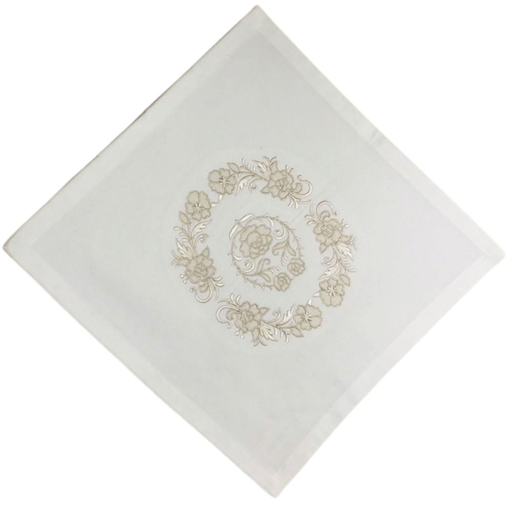 Eleant Table Cloth Beige On White